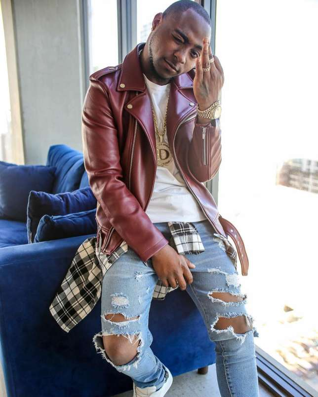 Davido's 30 billion slang goes on a $100,000 diamond chain